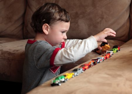 روند تشخیصی کودکان ، نوجوانان و بزرگسالان ارجاع شده برای ارزیابی اختلالات طیف اوتیسم در استرالیا: