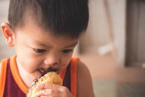سوء تغذیه و اضافه وزن در کودکان مبتلا به اختلالات طیف اوتیسم